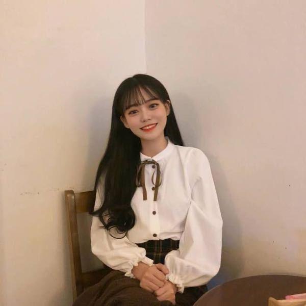 韓国の女の子だと思うんですけど誰だか分かりませんか。 雰囲気の写真を調べて一目惚れしてしまって、、