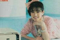 中森明菜さんのアルバムの曲です。 「Moreもっと恋して」 https://youtu.be/zJ_HMDM_Qxg  この曲は好きですか? 私は好きです!でも曲より歌声が好きです!
