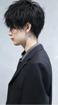 男です 刈り上げマッシュからこういう髪型にしたい場合、オーダーはどうすればよろしいですか? 今、襟足は伸ばし途中です。
