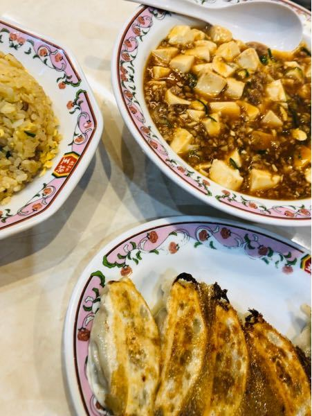 昼食は麻婆豆腐と炒飯と餃子∧( 'Θ' )∧
