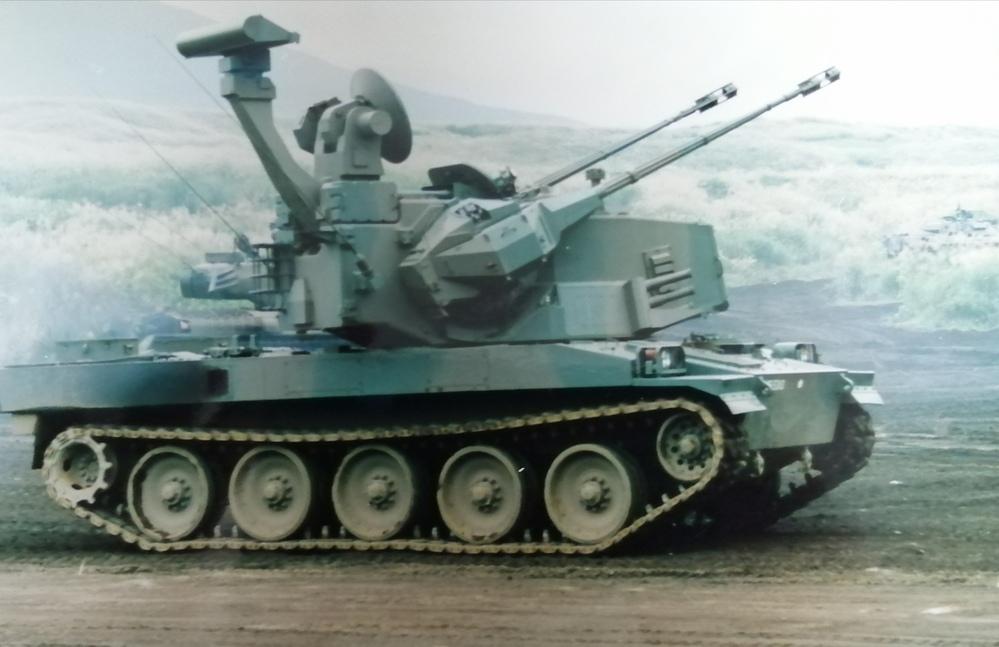 名前を教えてください。陸上自衛隊の戦車?だと思うのですが名前がわかりません。 他にもスペックや何が凄いのか教えてください。