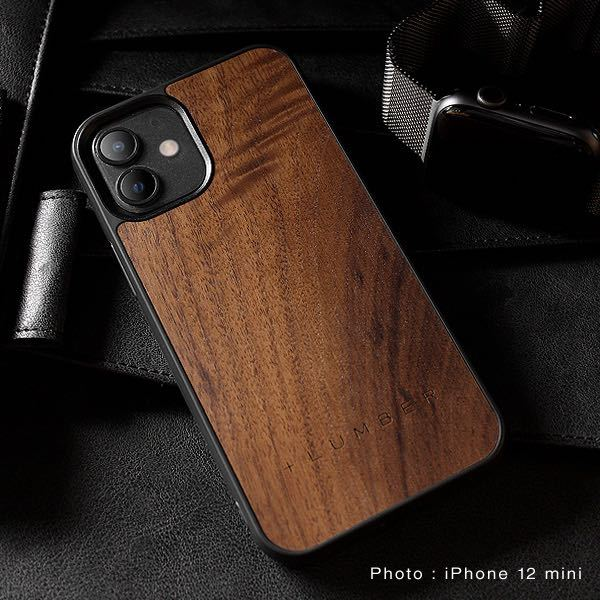 高校生です。 こういった木製のスマホケースを購入予定なのですが 皆さんは身の回りの人が使っていたら変だと思いますか? 木製品の温かみや色合いが好きなのですが....