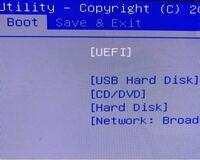 デスクトップPCでBIOS画面がループするようになってしまいました。 そこで他のPCでUSBメモリにWindows10インストールメディアを作成してデスクトップPCに挿し、BIOS画面のBOOTを画像のように設定して再起動したのですがBIOSがループしました。  一体何が間違っているのでしょうか?また、故障の原因で可能性が高いのは何ですか?放電とかは既にやってます  因みに故障後のデスクトッ...