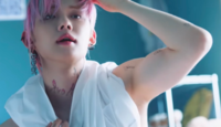 このTXTヨンジュンのタトゥーって本物ですか??TXTのメンバーで本物のタトゥー入れてる人って今のところいますか?