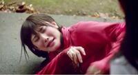 男性に質問。 乃木坂46のアンダー曲『シークレットグラフィティー』のPV1シーンで、ワザとこけて乃木坂46・樋口日奈ちゃんに痛がっている様に見せている乃木坂46・伊藤純奈ちゃんが可愛いと思いますか?