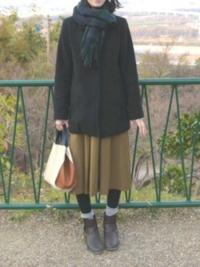 スカート好きな男子です。 何時もスカート履いて外出! このスカートどうかな? このスカート姿かわいいですか? それともこのスカート変ですか?  自分以外にスカート好きな男子いますか? 普段どんなスカート履...