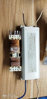100V蛍光灯安定器,一次側焼損使用質問 一次側は100V、神経質の売り手が220Vを拾って直接焼損やし、返金しました。 1つを分解して1つを残しましたが、2次側は正常で、DC抵抗は34Ωであることがわかりました。 今日...