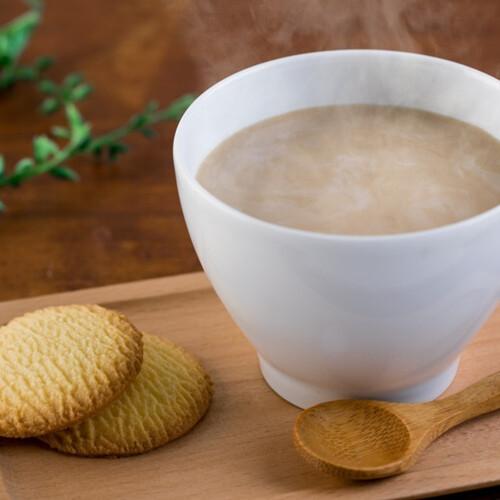 カフェオレを作る時ってどうしてる? (^。^)b 1、コーヒーと牛乳を混ぜて電子レンジ 2、コーヒーと牛乳を混ぜて小さい鍋 3、粉末のスティック 4、すでにカフェオレになってるものを買ってくる 5、