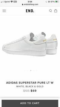 adidas スーパースターピュアのこのスニーカー日本に売ってますか?アメリカで見ました。バックに金の文字が入ってないのは日本にもあるのですが、、、金の文字があるのを探します。