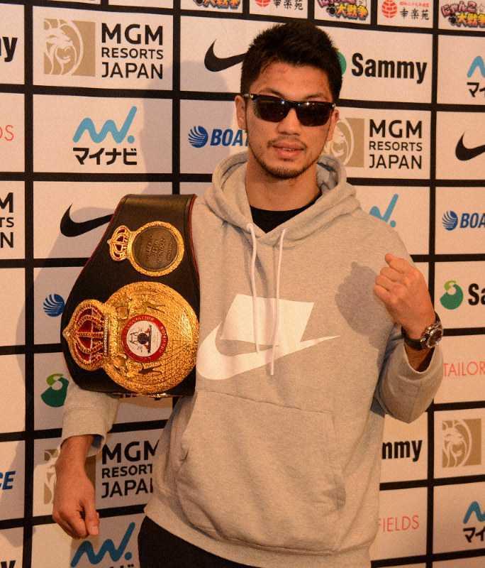 この村田諒太がかけているサングラスを買いたいのですが詳細わかる方教えていただけますでしょうか。(商品名など)