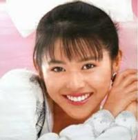 小泉今日子さんと中森明菜さん どっちが好きてしたか。
