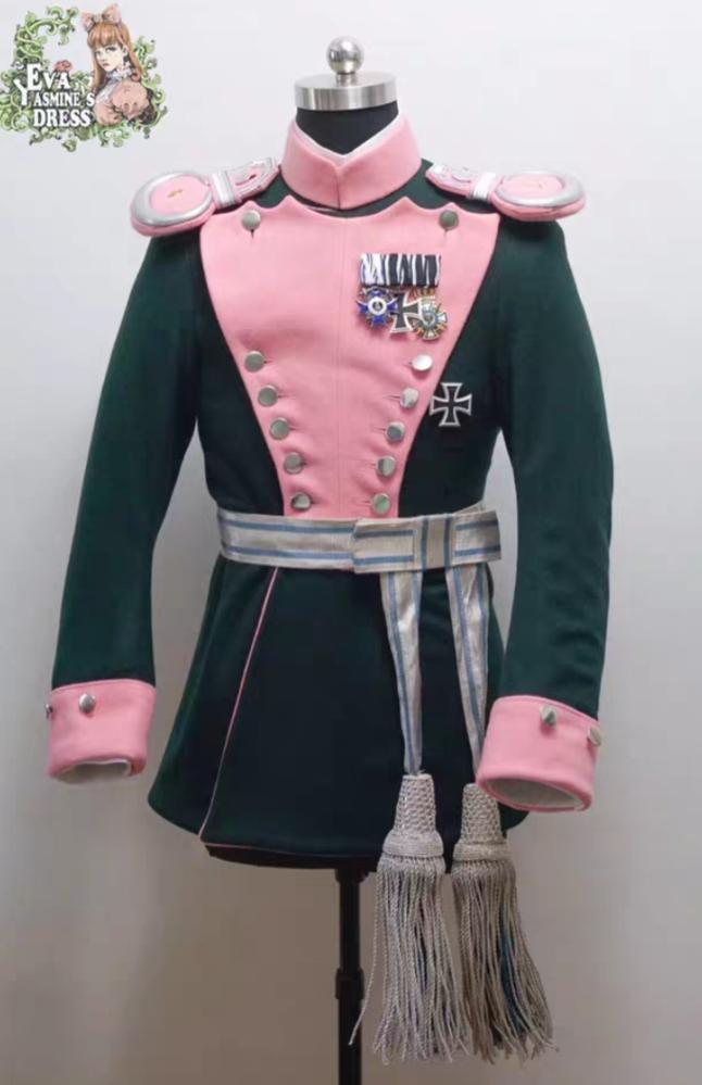 この軍服はなんの服がモデルになっているかわかる方いますか?