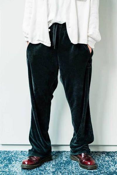 King Gnu 常田大希さんがよく着用されているこのドクターマーチンのブーツは何ホールでしょ...