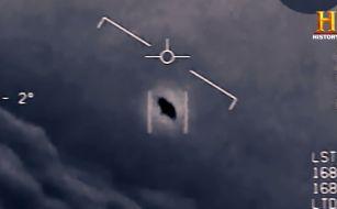 5時頃目が覚めたのでゴミを出すついでに星を見ていたのですが20分位の間に人工衛星らしき物を4つ見つけました。 (はるか上空をゆっくりと1つの点が点滅せずに移動している) これらは全部人工衛星だ...