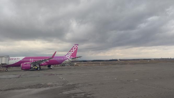 お前等は新千歳空港を知っていますか。 私は新千歳空港を知っています。