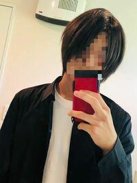 ロン毛にしたいと思っています。今はこれくらいの長さです。トップの毛が耳の辺りに来るくらいですね。髪の毛は1ヶ月に平均1cmとありましたのでロン毛になるまでは後1年くらい必要ですか? また、伸ばしている最...