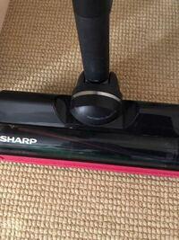 シャープの掃除機のローラーが回らなくなってしまいました。直す方法はありますか?