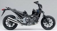 なぜバイクとクルマのエンジンを共有化しないのですか。 ・・・・・・・・・・・・・・ 例えばホンダかスズキが660㏄のエンジンをバイクとクルマで共有化しないのですか。 バイクとクルマのエンジンを共有化できたらコストダウンになっていいのでは。  と質問したら。 バイクのエンジンは高回転型。 クルマのエンジンは低速型。 共有化は無理。 という回答がありそうですが。  ホンダNC750はフィットのエ...