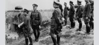 ドイツ軍と日本軍ですか? 一番左の日本人、は誰ですか?