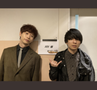 XIIXの斎藤宏介(UNISON SQUARE GARDEN)さんが着用している 画像のジャケットですがどこのブランドか知りたいです。  よろしくお願いします。