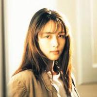 中森明菜さんとZARD坂井泉水さん どちらが美人だと思いますか?