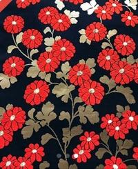 黒の大島紬の着物について。添付してます帯は金の糸があります。大島紬の着物にはつけてはいけないでしょうか?よろしくお願いします。