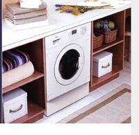 おすすめのドラム式洗濯乾燥機を教えてください 画像のイメージでドラム式洗濯乾燥機を床置き設置し それに合わせた造作棚を新築で作ってもらいたいと思っています。  ミーレがいいのかなと思っていますがぜひア...