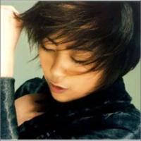 宇多田ヒカルさんで好きな曲を3曲 教えて下さい(ρ_・).。o○