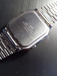 カシオ腕時計 DATA BANK DBA-800の裏蓋の開け方をご存じありませんか? 併せて電池交換とそのステップも教えて下さい。遺品として出てきましたのでもう一度復活させてみたいのです。