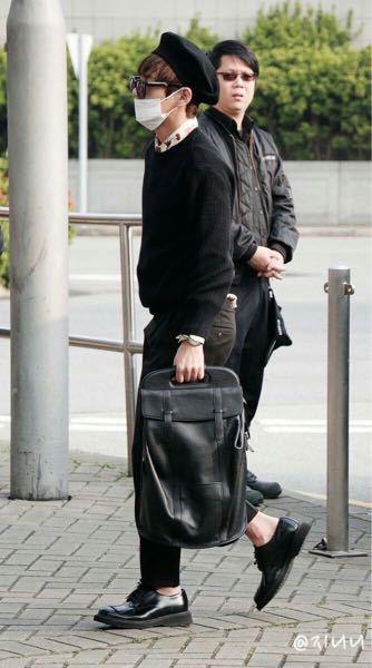 BTSのテテが持っているこのバッグの名前がわかる方いらっしゃいますか??