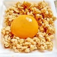 納豆を食べる時は 納豆容器のままですか? 小鉢等に入れますか?