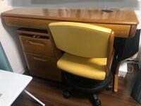 この机にリメイクシート貼りたいと思っているのですが、難しいでしょうか?角とか結構丸いです。