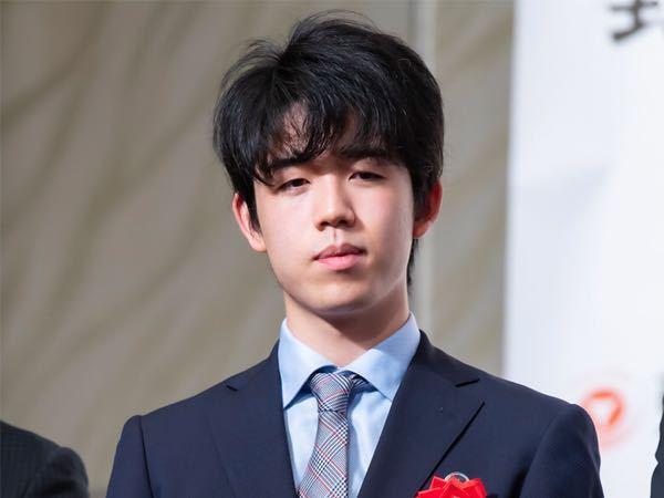 藤井聡太と知り合って結婚するにはどうしたらいいですか?私は高専に通っている普通の女子高生です。普通に生きていたら藤井聡太くんとは結婚はおろか、知り合えすらもしません。どうしたら知り合えますか?
