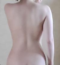 〘背中の画像あり注意〙綺麗に上手く撮れずすみません。 先月まで160センチ54キロで体脂肪率が32パーセントありました。 週に3回トレーニングルームに通い始めましたが、体脂肪率が3〜4パーセントほど下がっただ...