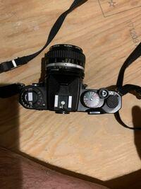 カメラについての質問です 祖父のカメラを先日見つけたのですが、そのカメラの情報がニコン製品ということしか素人目では判断できませんでした。 このカメラの名前、価値などわかる方がいれば教えていただけると幸いです