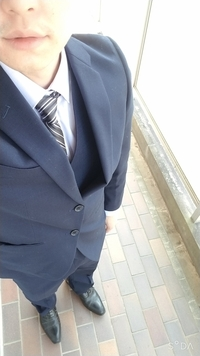 結婚式の服装なんですが…この格好で出席しても大丈夫だと思いますか? スーツ、ネクタイの色、靴の種類などご指摘頂けると有難いと思います。