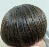 韓国マッシュみたいな髪になりたいのですが、トリートメントなど髪のケアをしっかりしても髪がちょこちょことでてまとまりが良くありません。 ここで質問なのですが、これはくせなのか、枝毛なのかが気になります。 それとどうしたら綺麗なマッシュになれますか?教えて頂けると幸いです。