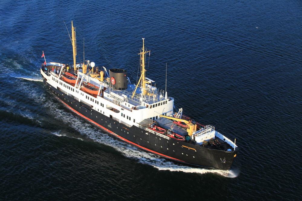 なぜ昭和30年代建造の貨客船が今も活躍しているんでしょうか?