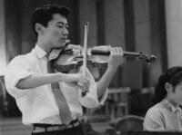 昔NHK教育テレビで、個人レッスン形式の、ピアノなどの講座があったと覚えていますが、  有名な演奏家も講師だったのでしょうか。