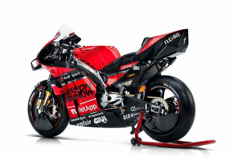 バイクにホイールカバーて効果あるのですか。 ・・・・・・・・・・・・・・・ motogpを見ていたらドゥカティだけホイールカバーを前輪にも後輪にも付けていますが。 これって効果があるのですか。 と質問したら。 motogpに最初にエアロパーツを付けたのもドゥカティ。 という回答がありそうですが。 確かに最初はバイクにエアロパーツて効果あるのかホンダやヤマハは疑問視していましたが。 ですが...