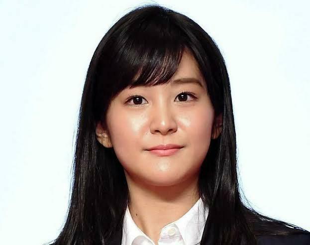 4月8日が27歳の誕生日のテレビ朝日アナウンサーの林美桜ちゃんに似合いそうなコスプレって何だと思われますか?