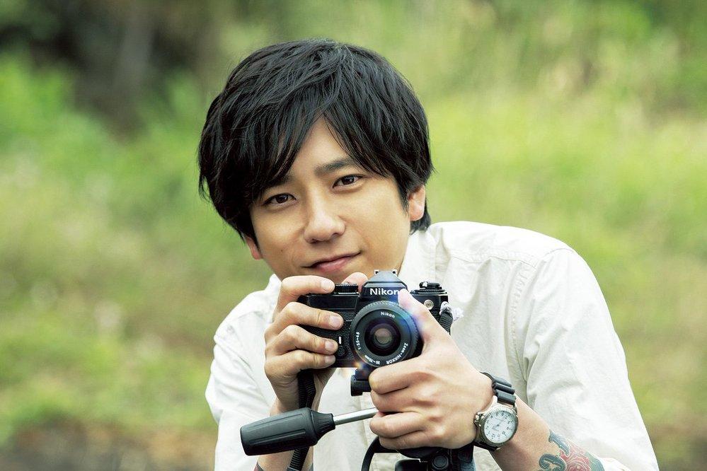 この腕時計のブランドを教えて下さい。 映画「浅田家」で嵐の二宮さんがつけていた腕時計です。