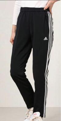 アディダスのこのジャージパンツ欲しいのですが、どこでなら安く買えますか?