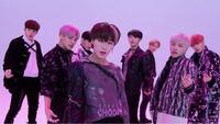韓国グループ、ATEEZについてなのですが、 詳しい方がいらっしゃいましたら、 左から順に彼らの名前を教えて頂けませんか? サンくんしか分からなくて…(´;ω;`)