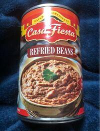 リフライドビーンズの缶の使い方に困っています 本来、メキシコ料理のタコスに挟んで食べるようですが ほかに使い道はないんでしょうか?  日本では珍しいのかレシピがみつかりません