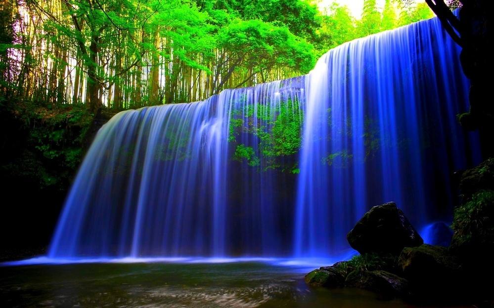 これはどこの国の何という滝でしょうか?