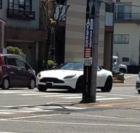 この車の車種を知りたいです!よろしくおねがいします。