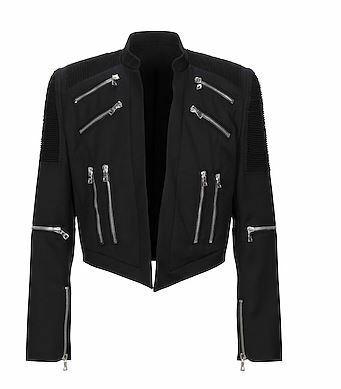 こちらの画像のような、短い丈のジャケットの正式な名前は何ですか? だいぶ前にyooxで見つけたbalmainのジャケットです。カテゴリーは一応テーラードジャケットでした...。