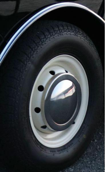 ローバーミニの10インチのホイールです。このようなホイールキャップがついております。外す際どのような工具が効果的でしょうか? ※ホイールキャップ外しは車載工具に入ってませんでした