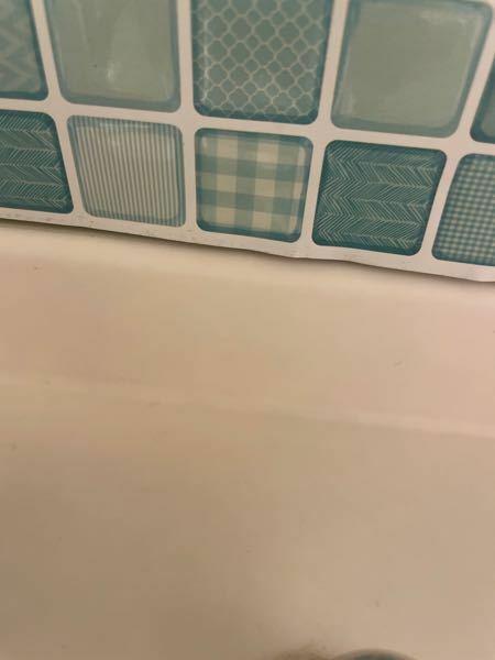 洗面所のカウンターの黒ずみが気になります。 掃除はしていますが、取れません。 傷がつかない方法で取れませんでしょうか?